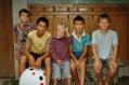 Kinder aus dem Dorf, aus dem Heim, aus der Schweiz, im Spiel vereint.